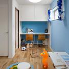 子供部屋は学習机を購入するのではなく収納と一体のスタディーコーナーを設置している