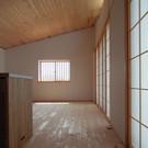 杉板張りの床と天井