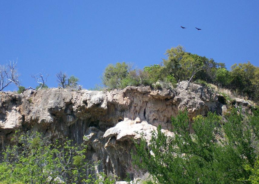 2341 Cliff 2.JPG