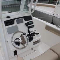 2019 Sailfish 241CC white (17).JPG