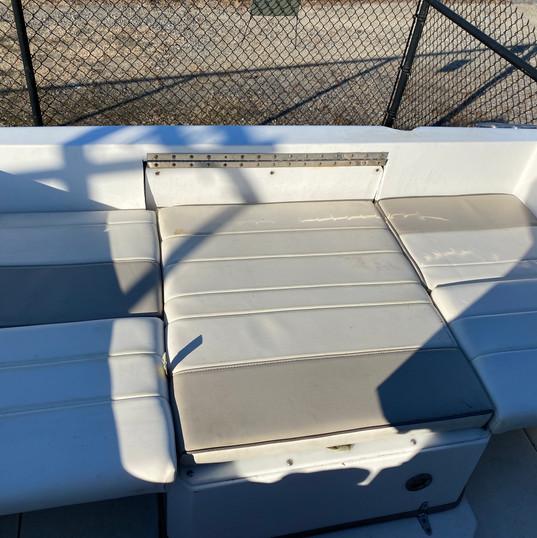 2007 Campion 622i SE deck w cushions.JPG