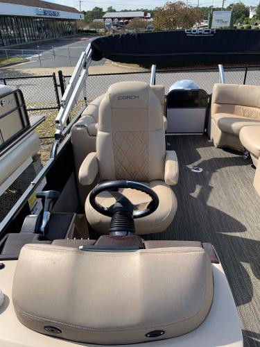 Coach RF Pontoon cockpit.jpg