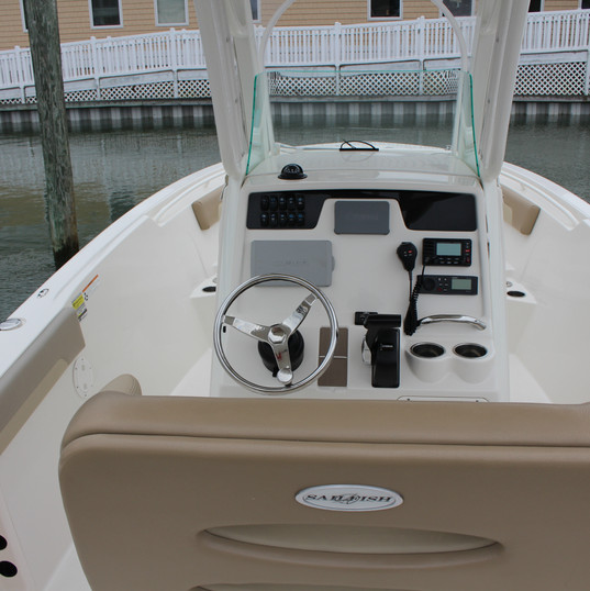 2019 Sailfish 241CC white (7).JPG