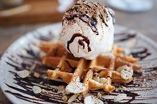 waffle-4608843_1920.jpg