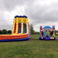 Inflatable_Slide_with_Jumper.jpg