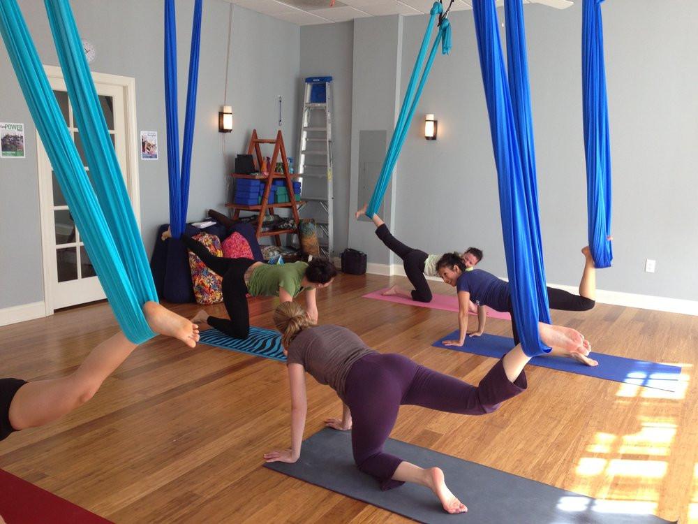 Gotta Yoga Aerial Class Stretch LKN.jpg