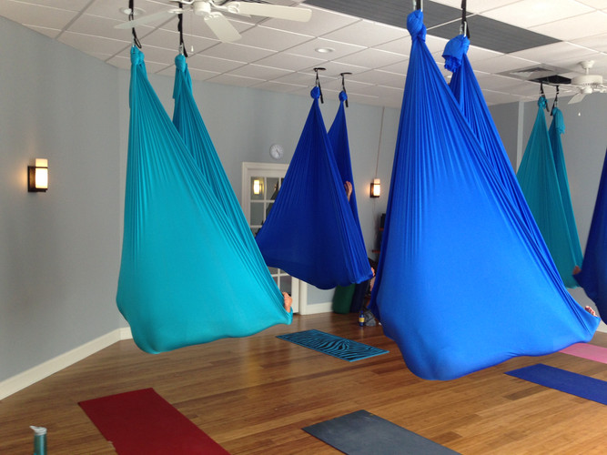 Aerial Yoga - Savansa Pose