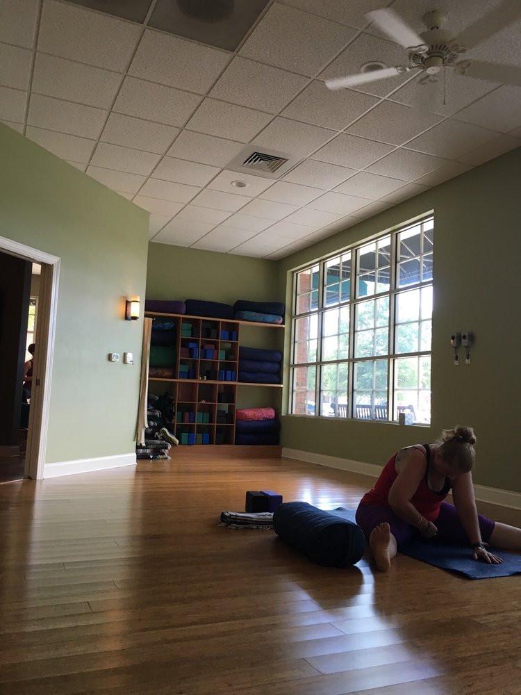 Gotta Yoga Front Sun Room LKN.jpg
