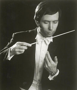 Maestro Dwight Oltman Conducting