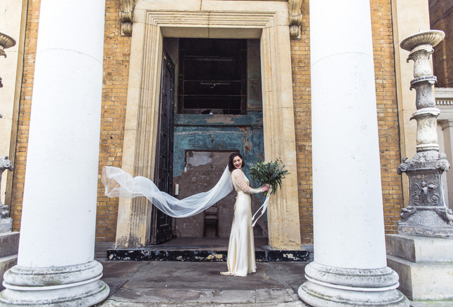 Fabulous winter wedding at Asylum & The Bethnal Green Town Hall Hotel