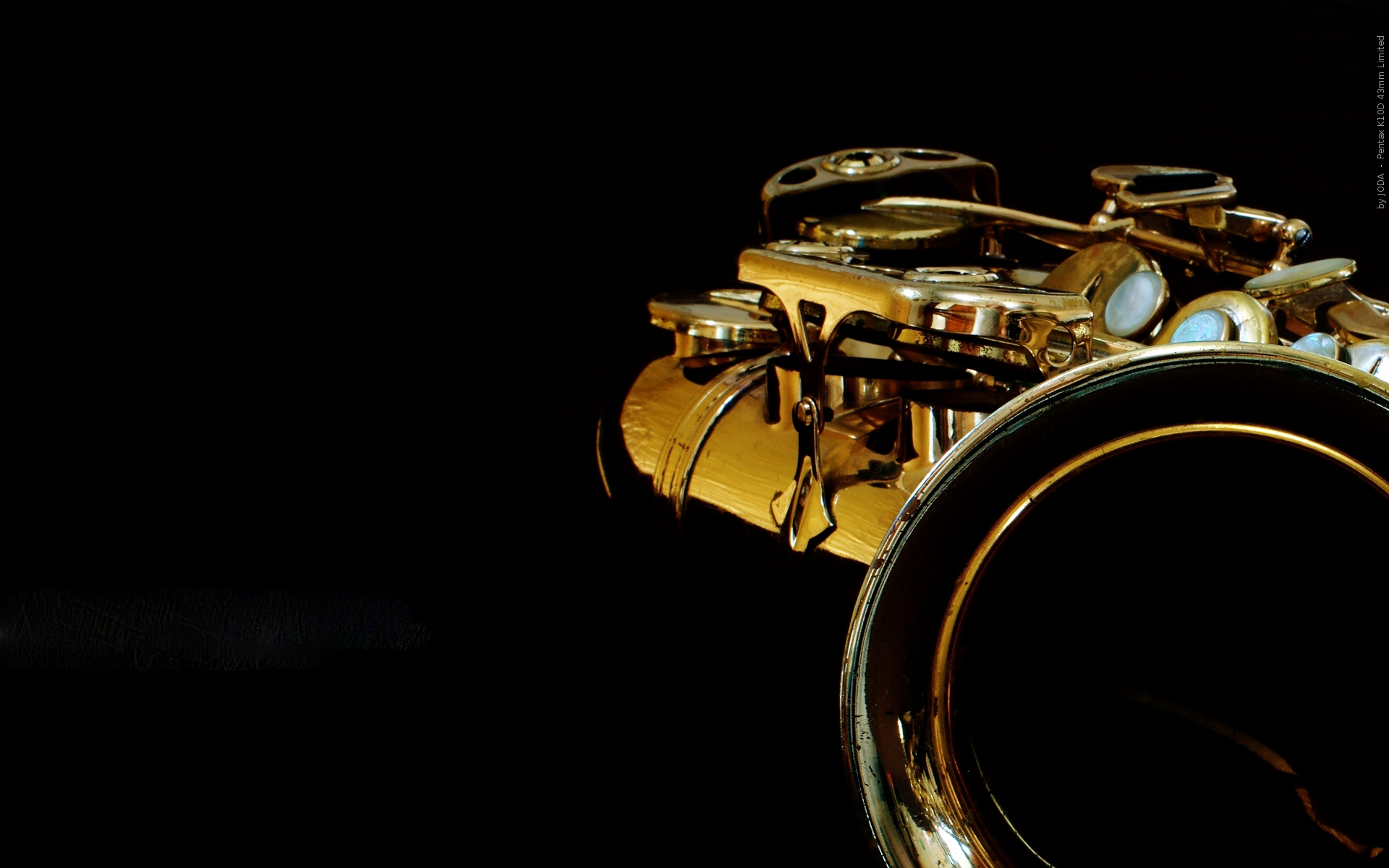 in-b-minor-saxophone-music-instruments-photography.jpg