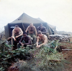 14 My mortar squad 1967 Sgt Brown, Simon Cull, Derl,Tom Hines & Ronnie Fields.jp