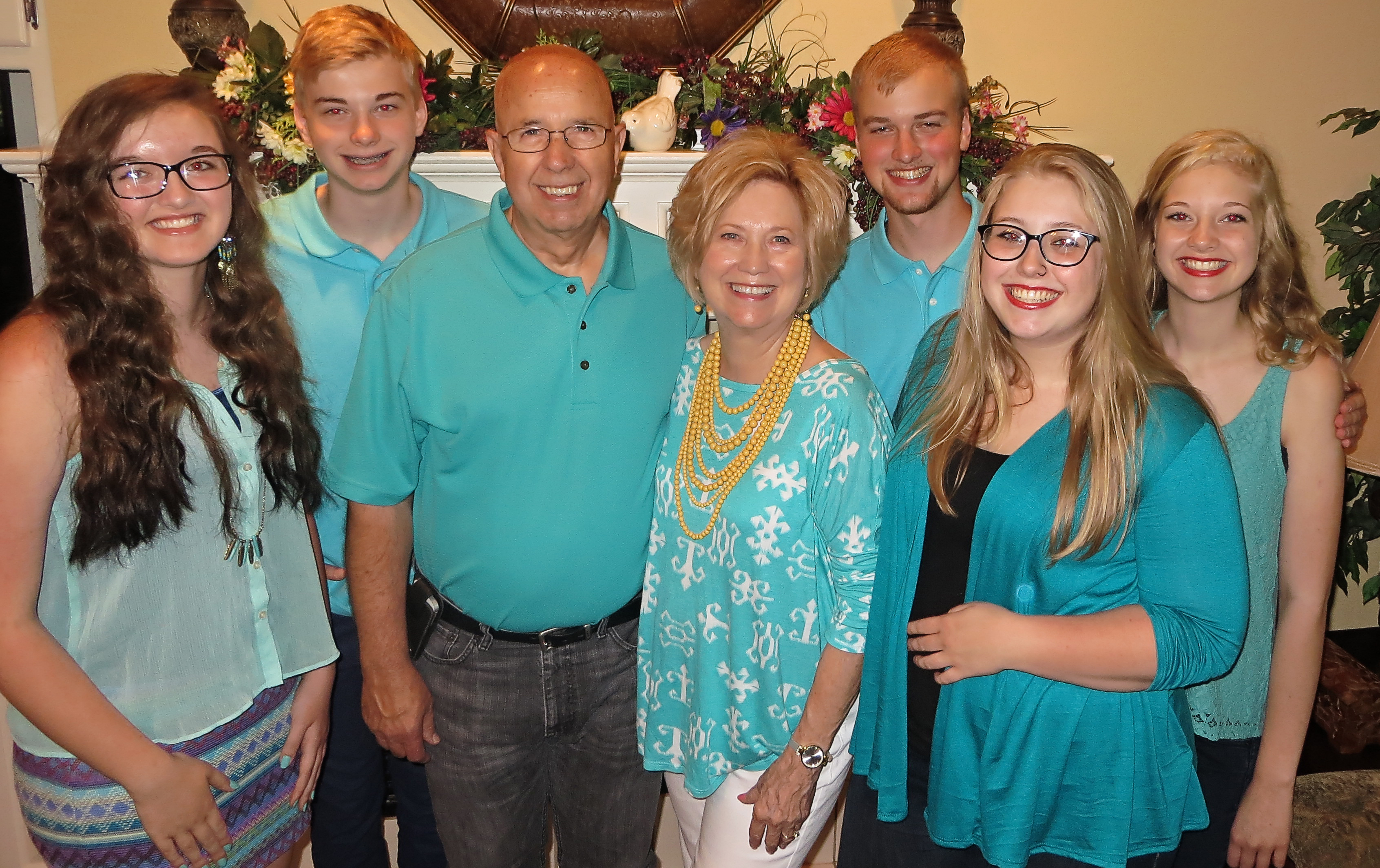 19 Marilyn and Derl with Grands Faith, Caspian,Noah, Allison and Paisley.jpg