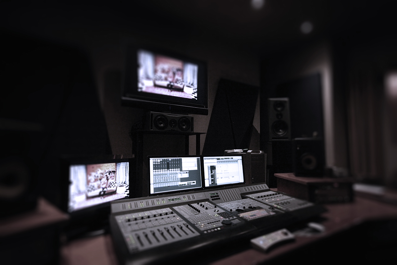 control 24 desk 1
