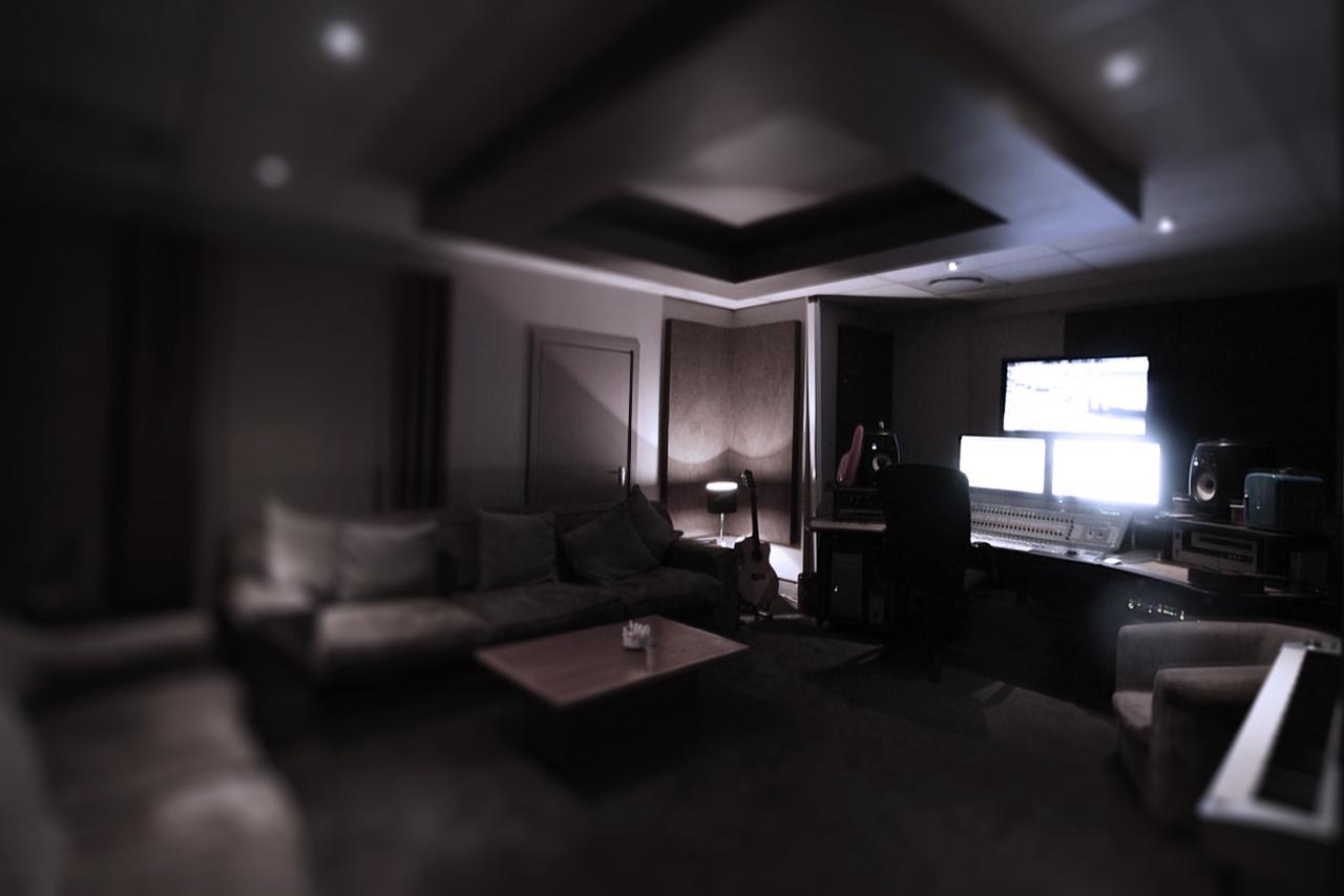 pro control room 1