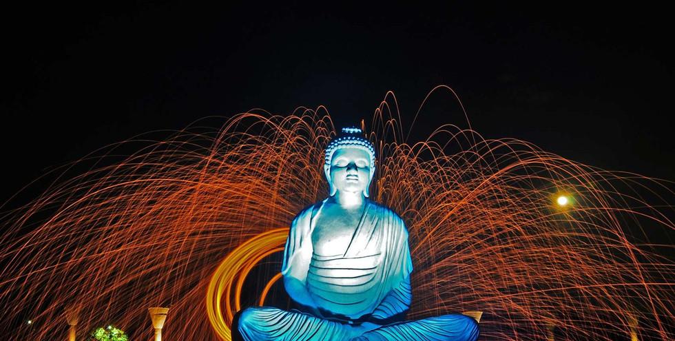 indiia-sad-tishiny-chandigarkh-statuia-b