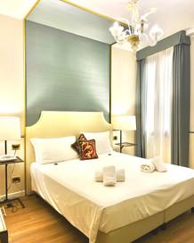 Hotel Do Pozzi Venezia Deluxe Double Room.jpg
