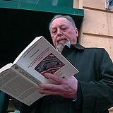 Marco-Romagnoli-con-il-libro%20(1)_edite