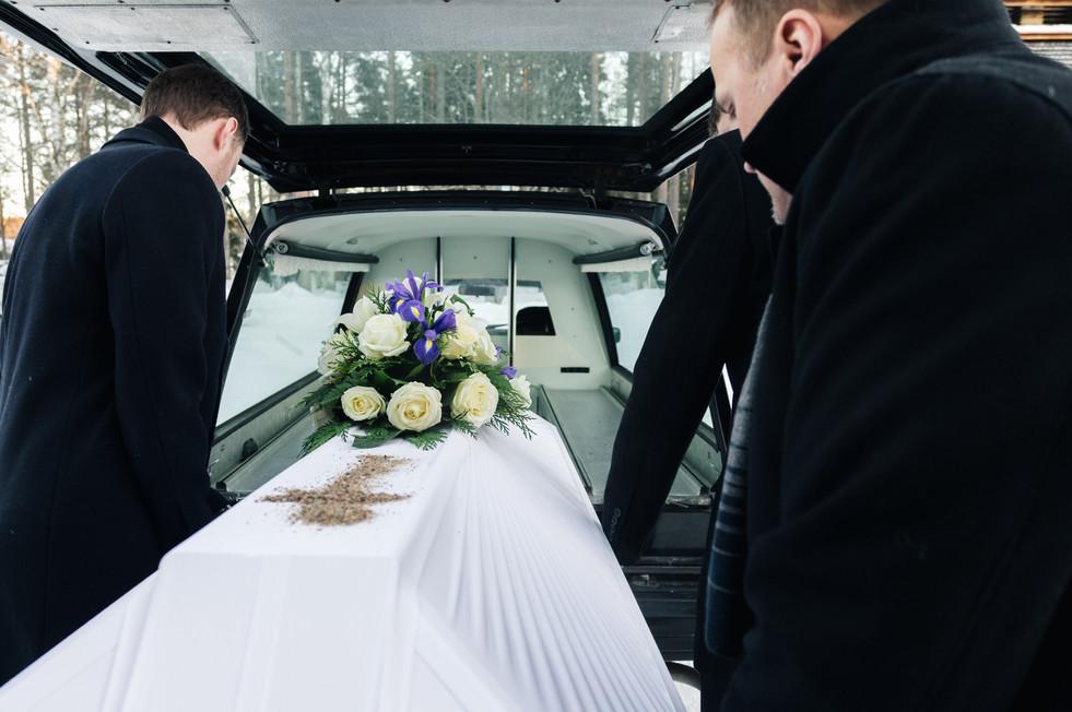 Hautajaiskuvaus, Puolanka