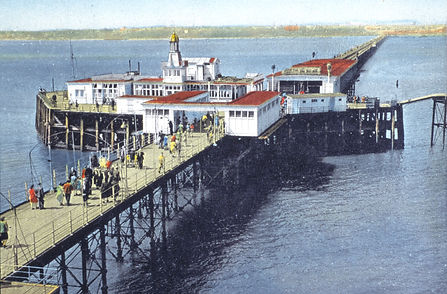 Historic colour image of Southend Pier 1939
