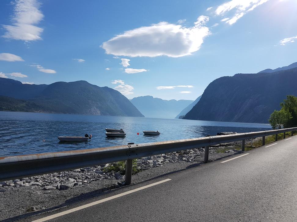 Fjällen mellan fjorden
