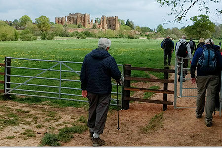 Spring-Walk-approaching Kenilworth Castle