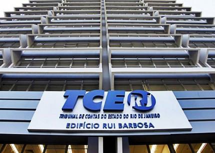 Sindspef luta para reverter decisão do TCE de retirada de adicionais dos salário dos servidores