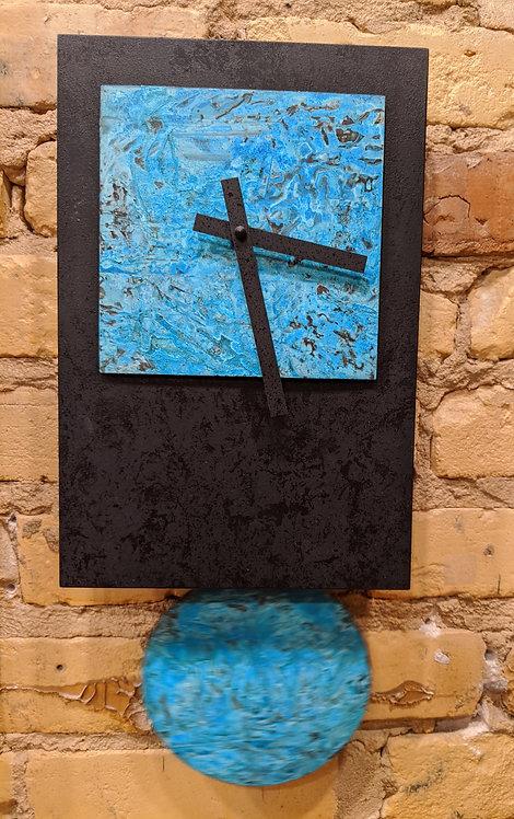 """""""Black Tie"""" pendulum clock"""