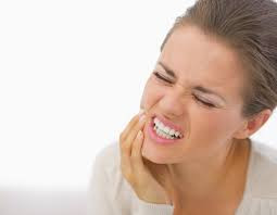 3 MISTAKES PEOPLE MAKE WHEN THEY HAVE A TOOTHACHE.
