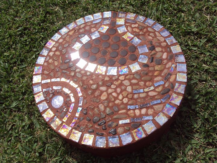Mosaic Garden Art Designs