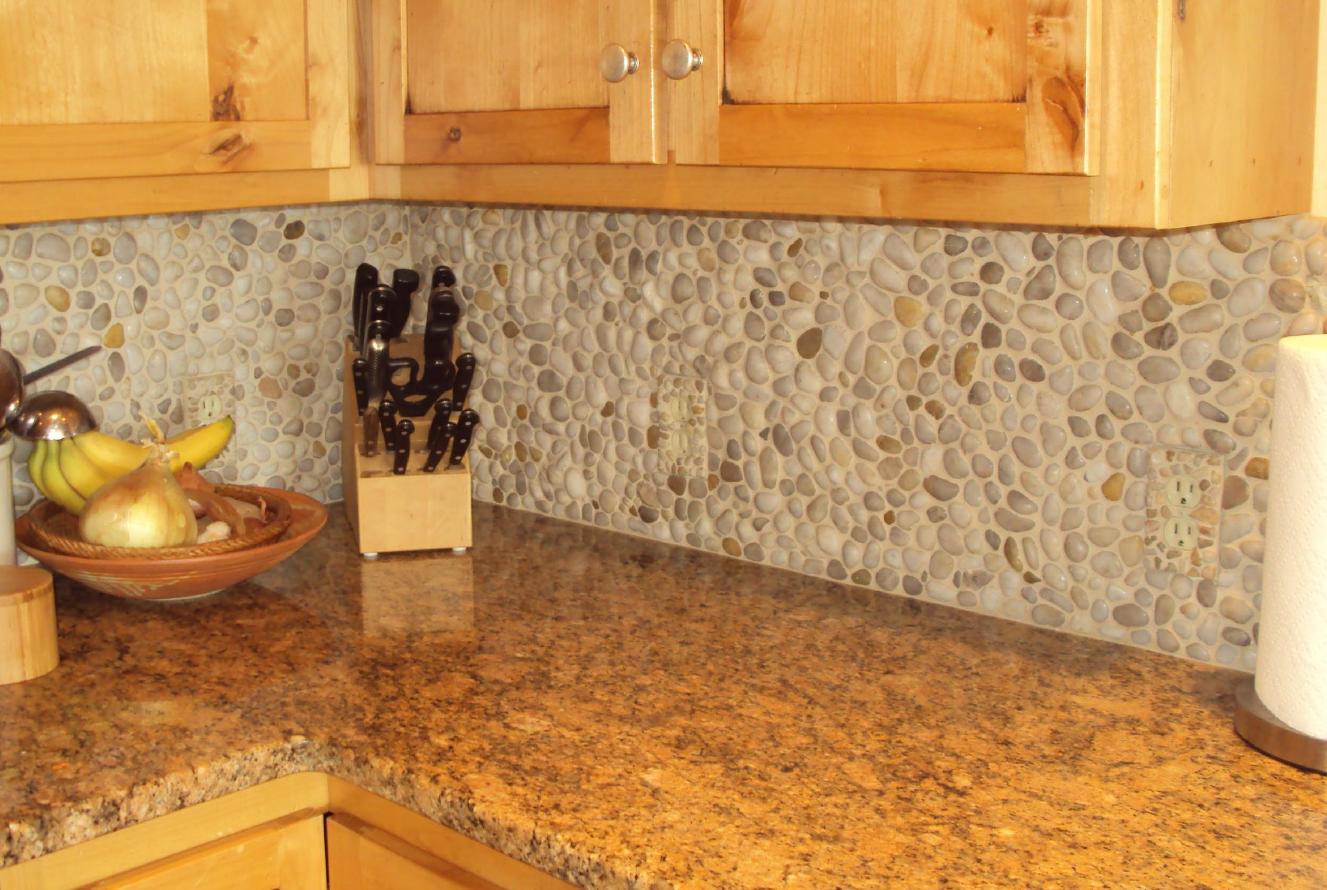 Tumbled pebble mosaic backsplash