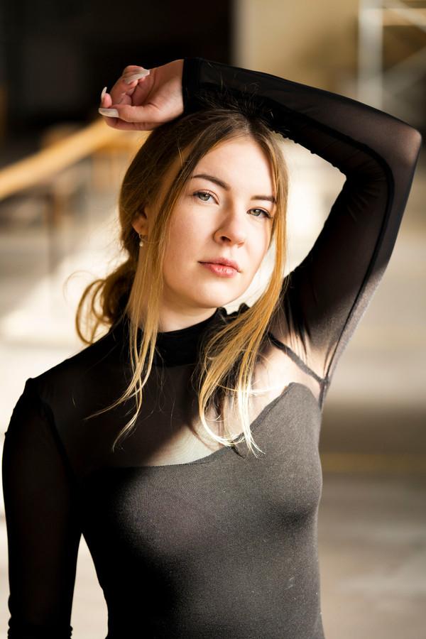 2020-Celina Portraits-05.jpg