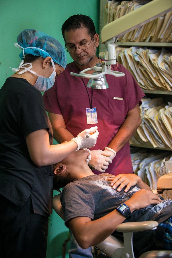 Elias Assaf, san pedro sula, honduras, fotografo profesional, professional photographer, fotografo documental, hospital publico, tocoa, grundfos