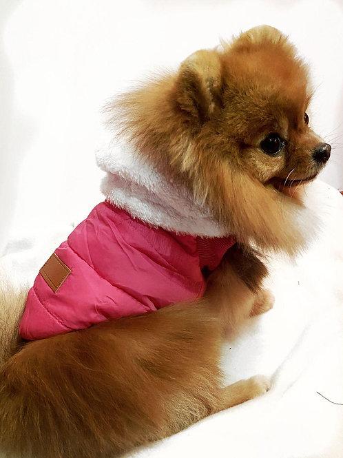 Теплая жилетка с пристегивающимся капюшоном розовая