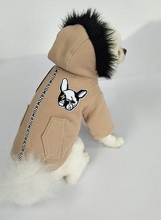 Куртка бежевая с мехом и принтом