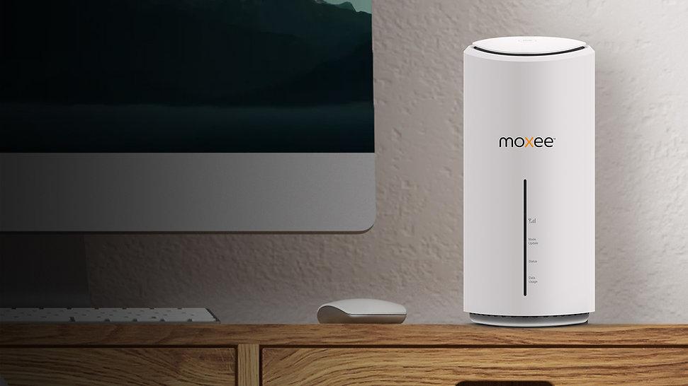 Moxee Stream 5G CPE-lifestyle.jpg