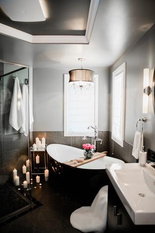 black and white bathroom modern tub