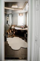 modern black and white bathroom Amanda George Interior Design