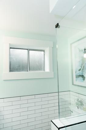 AMANDAGEORGEINTmint bathroom white tile details Amanda George Interior DesignERIORS-35.JPG