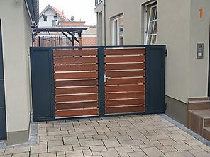 Tor Sichtschutz MIX-Holz.jpg