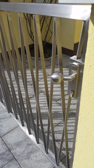Gartentür V2A Raute.jpg