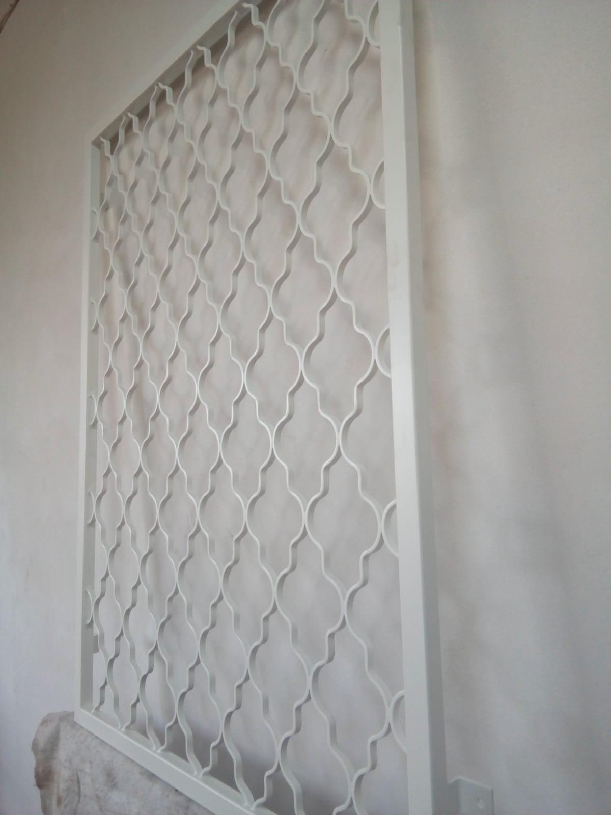 Fenstergitter181009-WA0007