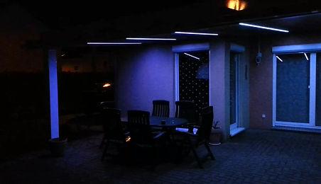intergrierte LED Beleuchtung unter der Überdachnung