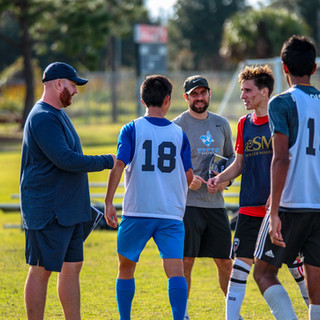 College soccer prospect camps