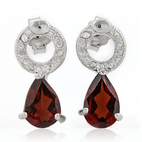 Sterling Silver 1 3/5 Carat Garnet Stud Earrings