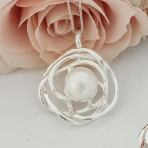 Sterling Silver Freshwater Pearl Nest Pendant
