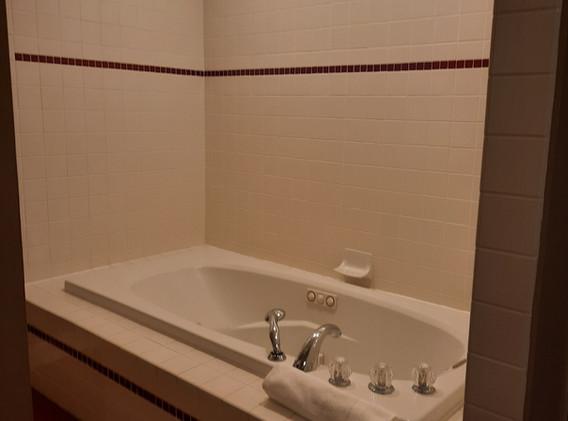 Chattanooga Room bathroom