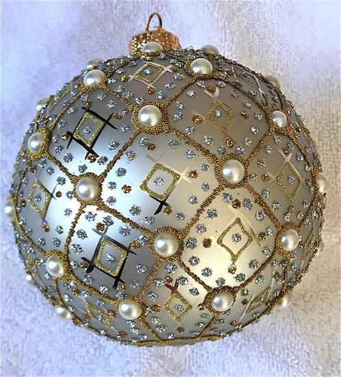 """#634SIL - Thomas Glenn """"Pearl - Silver"""" Ball Ornament"""