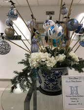 Asian - Blue & White Display