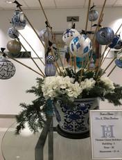 Asian - Blue & White Display